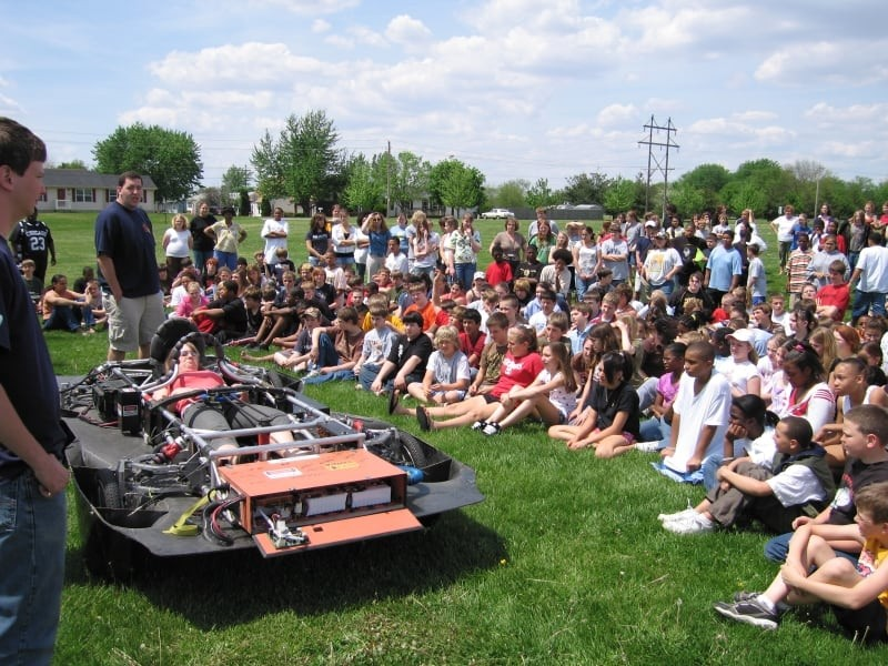 PrISUm gives a presentation about solar vehicles on SunRun 2007